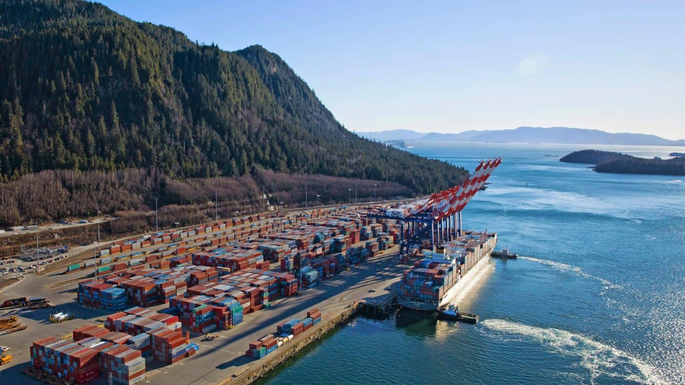 containers loading and unloading services